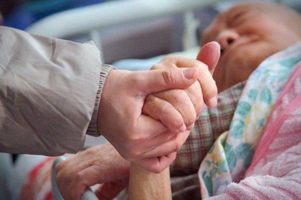 PROHIBEN ORAR POR LOS ENFERMOS EN HOSPITALES DE CHINA
