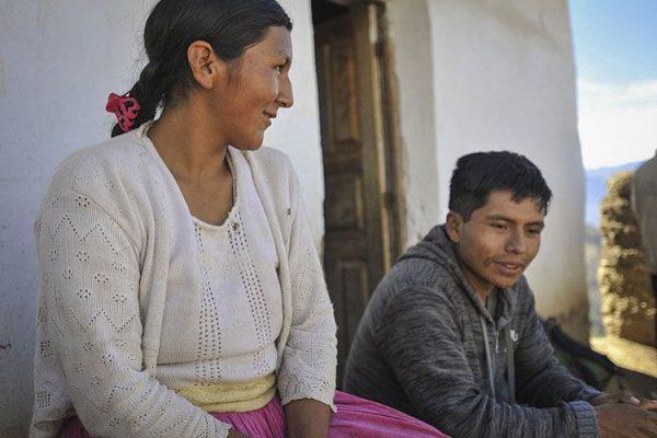 LA PALABRA DE DIOS SALVA DEL DIVORCIO A MATRIMONIO EN BOLIVIA