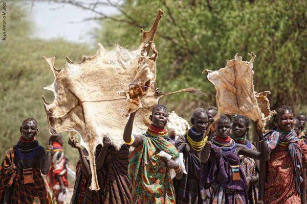 EL EVANGELIO LLEGÓ A UNA TRIBU EN KENIA