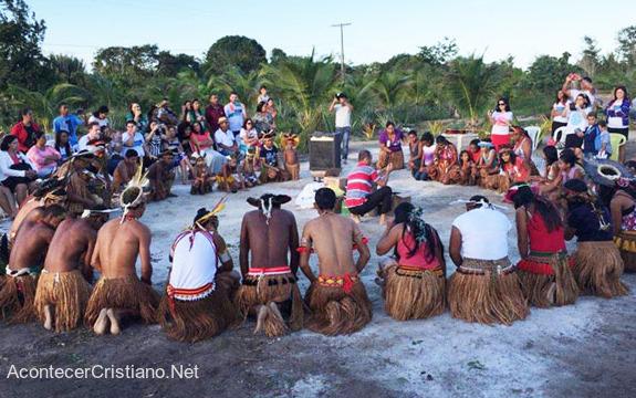 Misioneros abren iglesia en aldea amazónica y nativos se rinden a Cristo